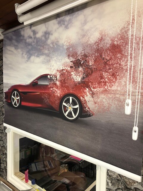 Rolgordijn met auto als afbeelding laten bedrukken